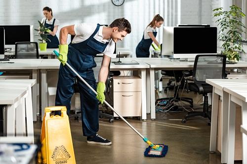 une entreprise de nettoyage à Paris